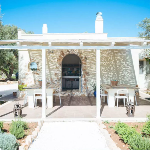 Gay foodies tour exclusive Masseria outdoor dining