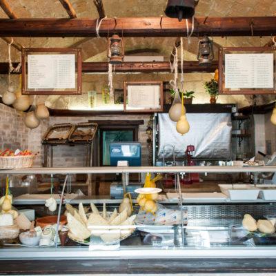DHNEG0 burrata,Olanda cheese factory,andria,puglia,italy
