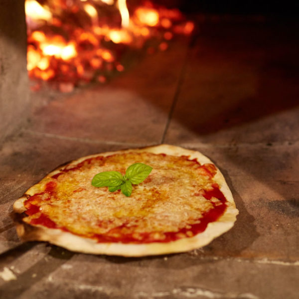 Discover Rome and make pizza