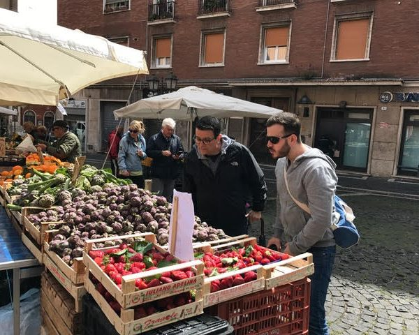 Discover Rome and the food markets